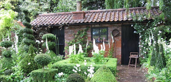 A little hut…at Chelsea flower show.